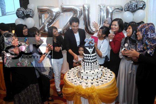 Selesai Kahwin, Izzue Islam Sambut Harilahir Ke 23