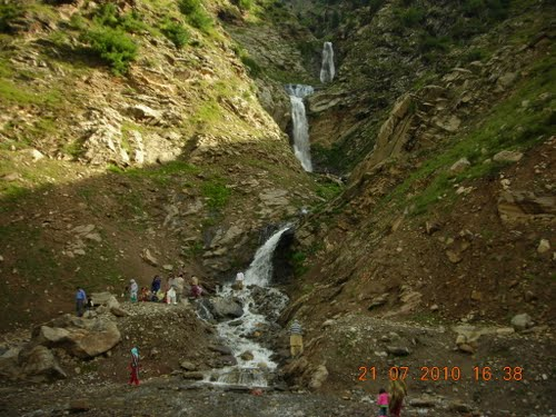 12494 naran kaghan waterfalls - photo #21