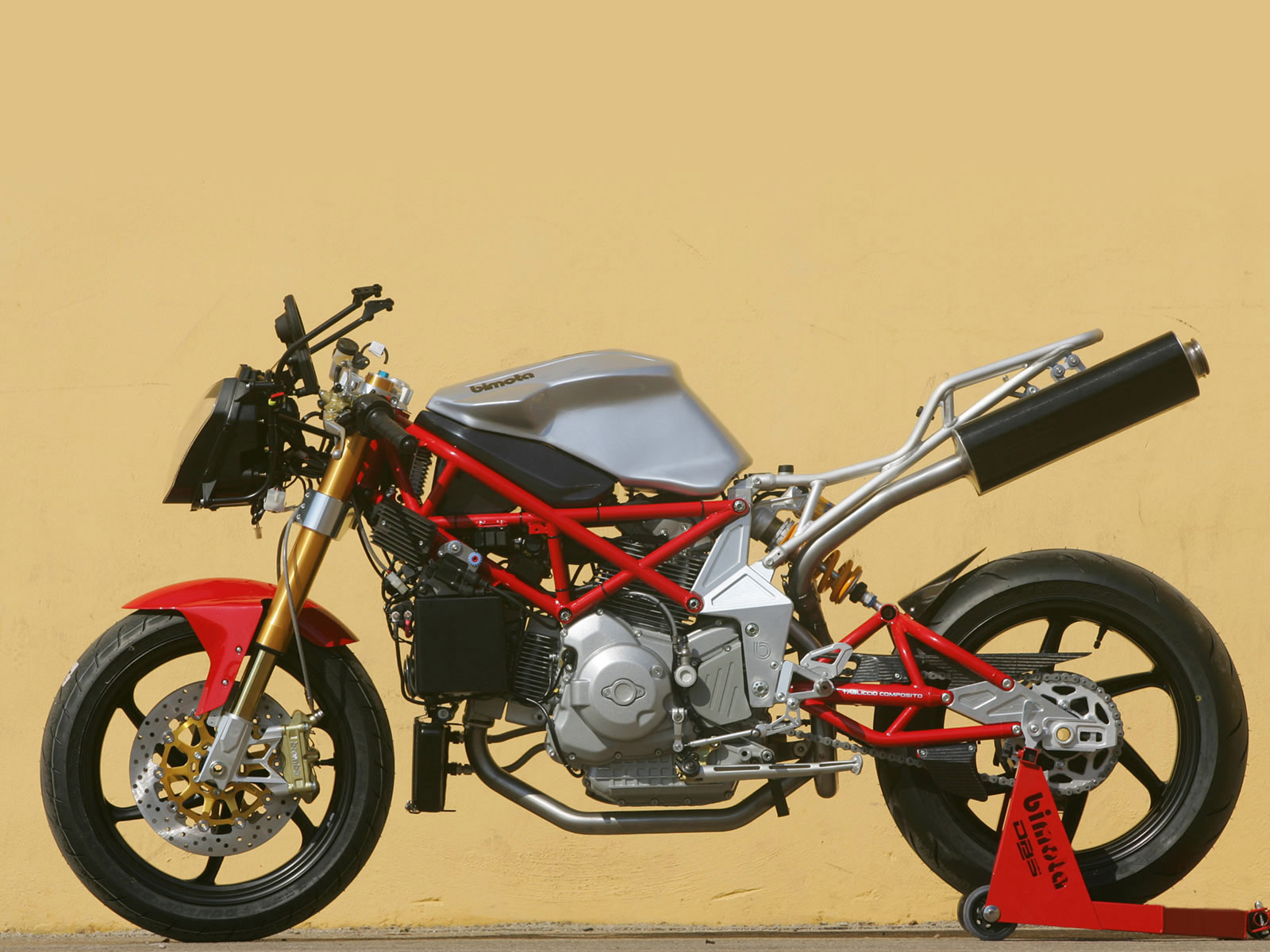 http://4.bp.blogspot.com/-0Z6vI2OntA8/Tr4-jrkXewI/AAAAAAAAEEY/qQs-3vLB-p4/s1600/2006-Bimota-DB5-1000_motorcycle-desktop-wallpaper_7.jpg