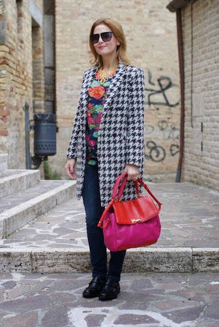 Marc by Marc Jacobs Memphis two tone bag, Sergio Amaranti shoes, floral sweatshirt, Fashion and Cookies, fashion blogger