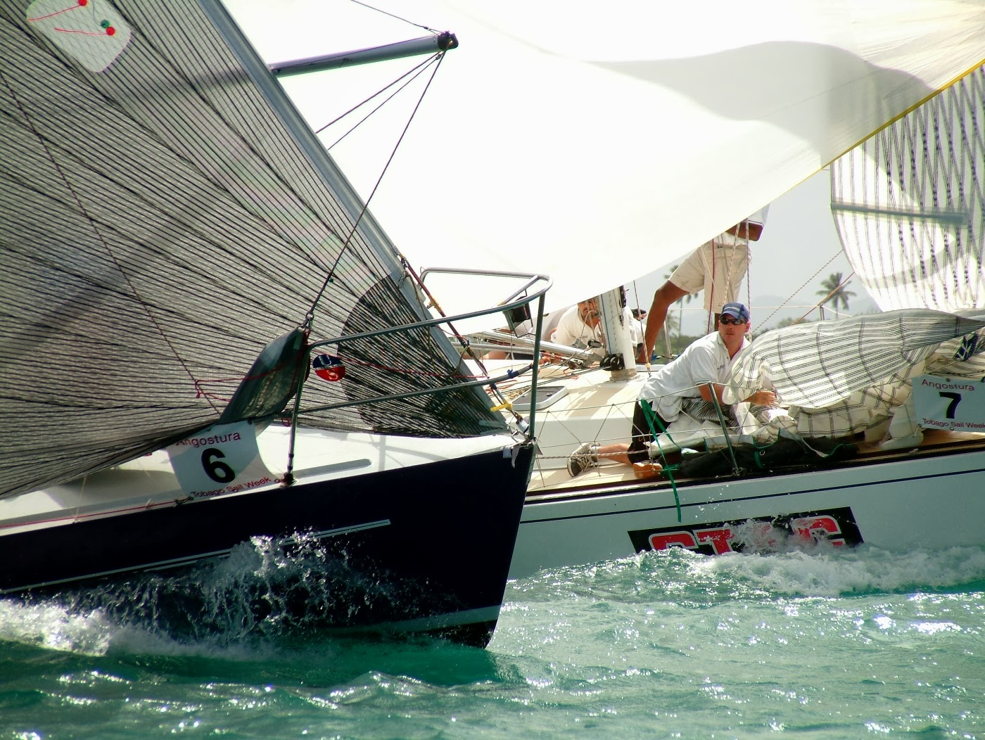 Yacht racing photography - Close running