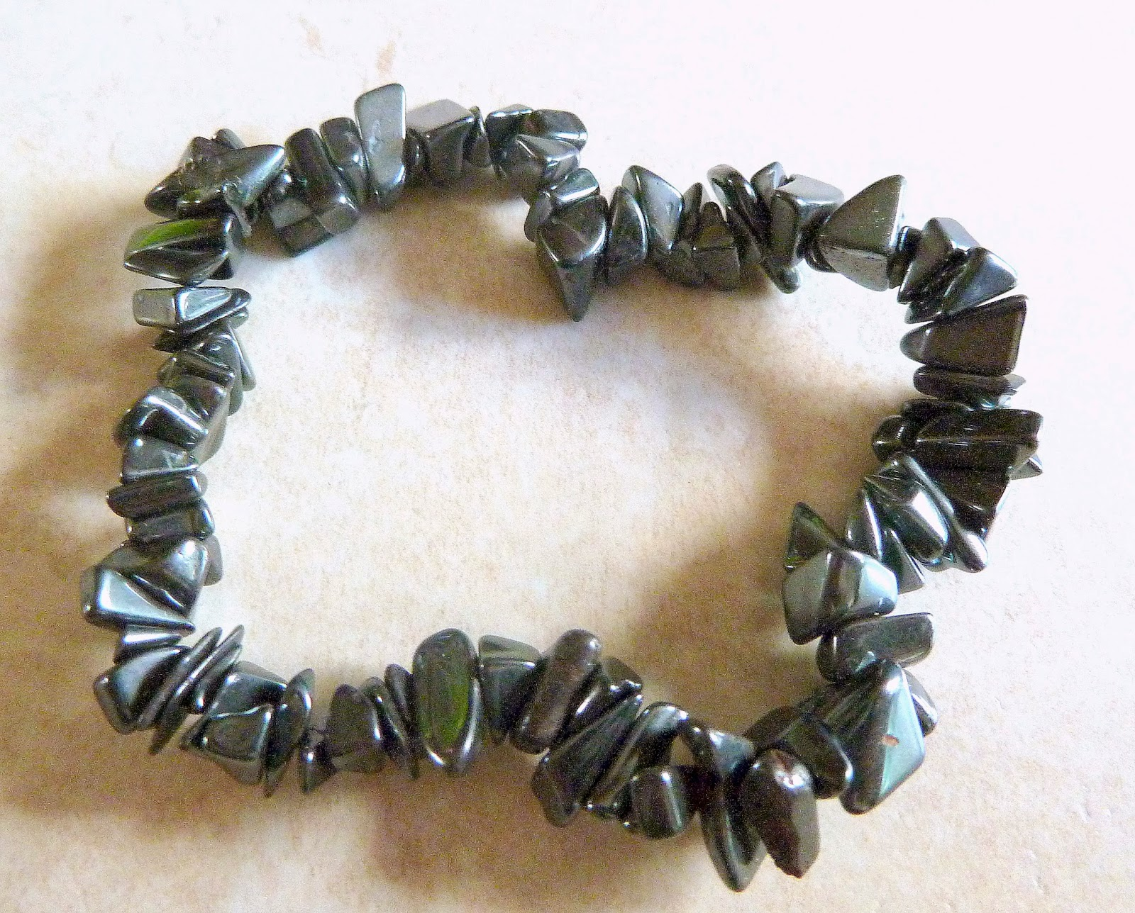 http://www.kcavintagegems.uk/hematite-chip-bracelet-402-p.asp