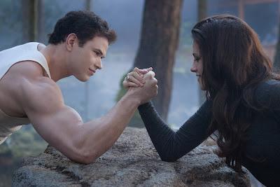 4 Julio-Kellan habla de los pulsos con Kristen en Breaking Dawn Parte 2 TSBD2-024250