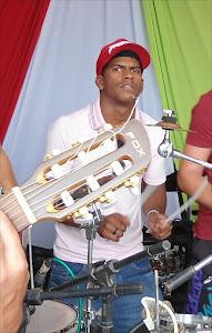 João neto, Percussão