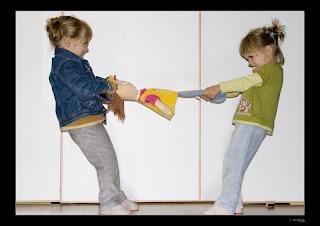 Educar a los hijos: PELEAS ENTRE HERMANOS (