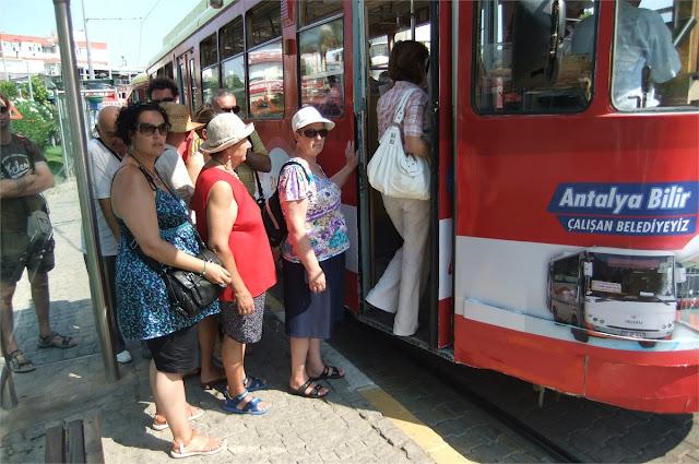 Al museo en tranvía - Antalya