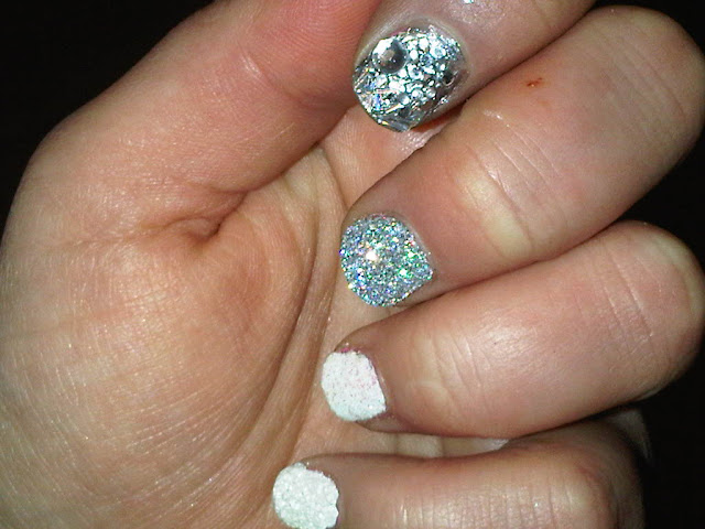 Nailart with textures and glitter