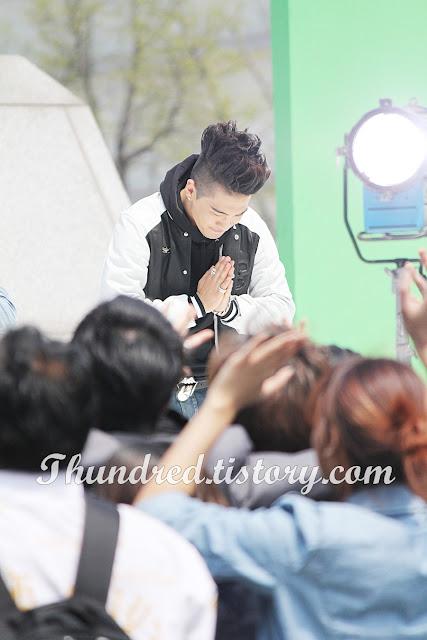 Taeyang at Gwanghwamun