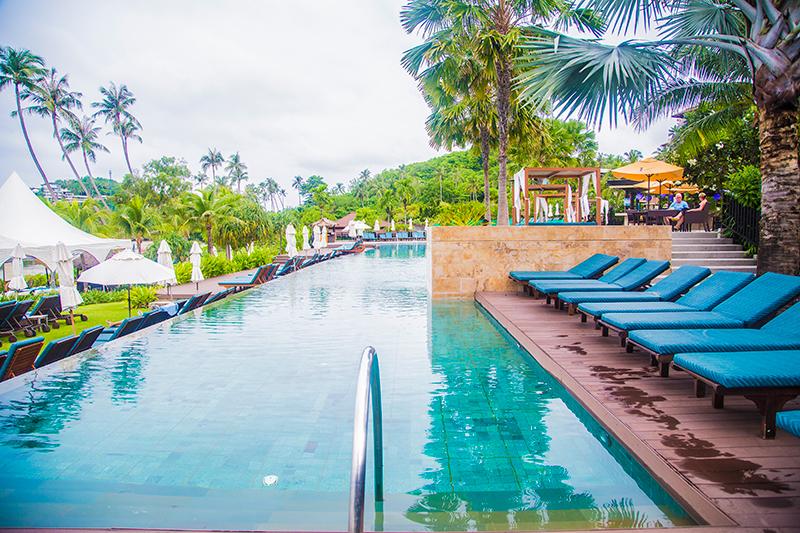 Radisson Blu Plaza Phuket hotel beautiful swimming pool