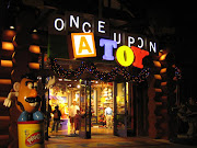 My favourite place to eat at Downtown Disney is the Rainforest Cafe. (img )