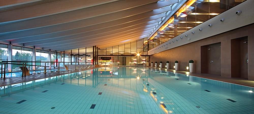 swimming pool piscina triatlon larga distancia