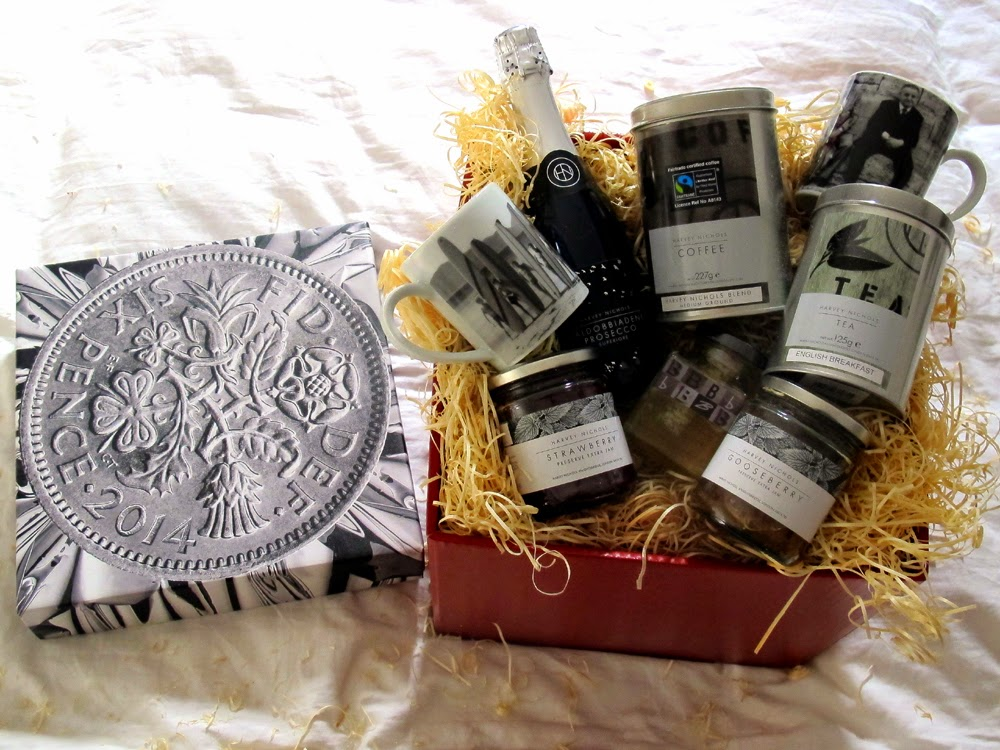 Harvey Nicks luxury foodie hamper