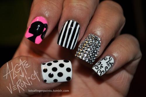 Preciosos diseños de Uñas con Líneas y Colores