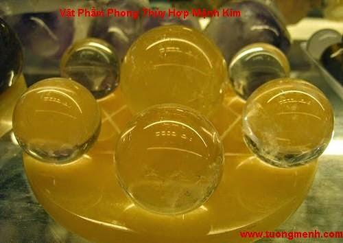 Vat Pham Phong Thuy Hop Menh Kim