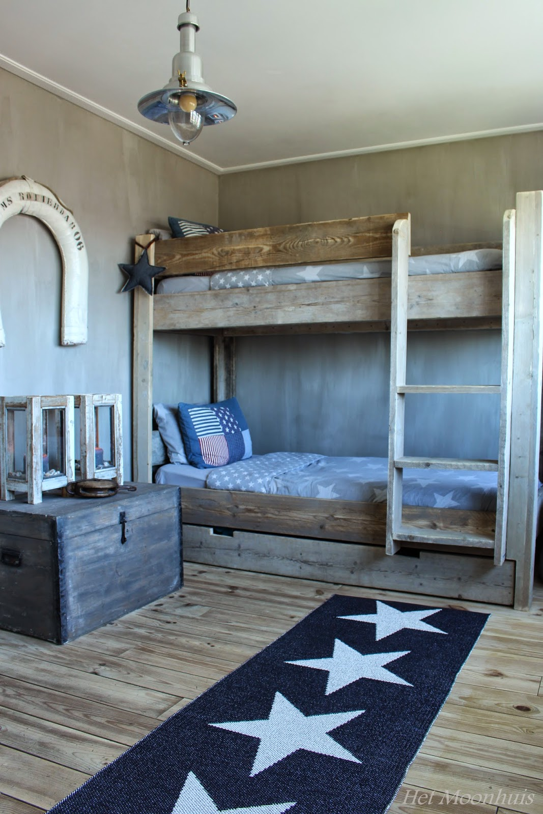 Het moonhuis stoere jongenskamer - Idee deco slaapkamer jongen jaar ...
