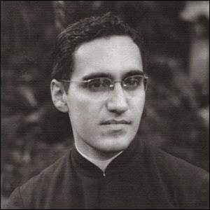 ¡¡Monseñor Romer Vive!!