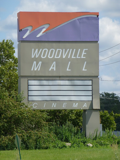 Dead And Dying Retail Woodville Mall In Northwood Ohio