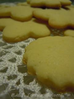 Biscotti profumati alla mandorla e limone