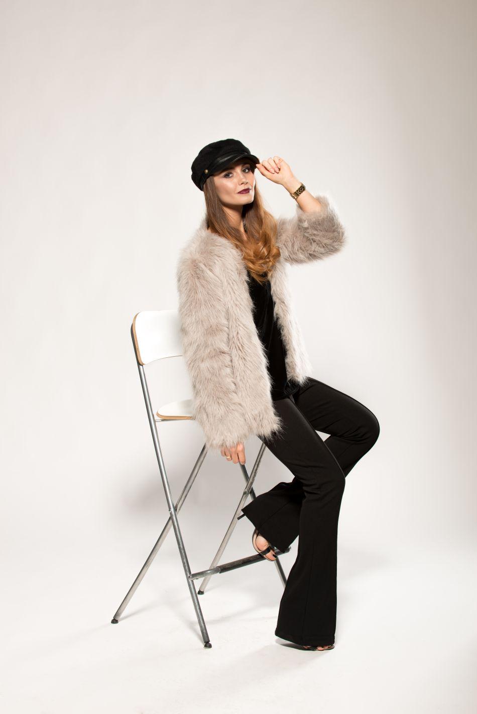 blogi o modzie | blog modowy | futerko jesien zima 2015 | blogerka z krakowa | najlepszy blog o modzie | kaszkiet | czapka na jesien | spodnie dzwony | sesja blancciel