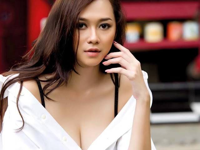 artis terseksi di indonesia