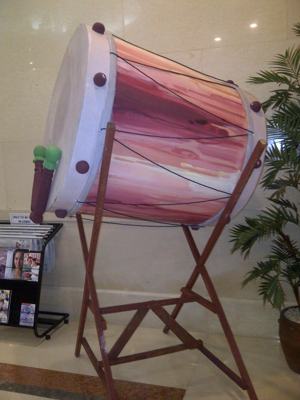Dekorasi styrofoam bedug 3d for Dekorasi lebaran hotel