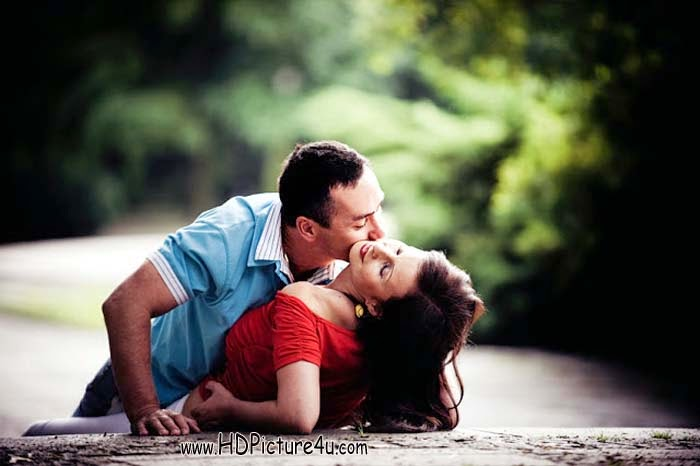 Beautiful Couple Kiss Images - 2015 Couple Kiss Images - Couple Kiss HD Images