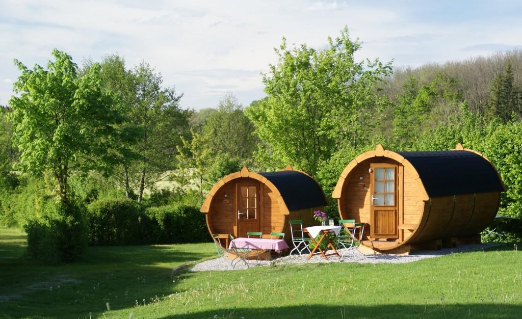 design schlafen im weinfass wine barrel room. Black Bedroom Furniture Sets. Home Design Ideas