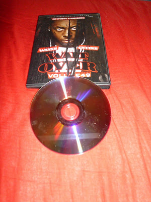 VA-DJ_Gnuine_Presents_Lil_Wayne-The_Wait_Is_Over_Vol_49-Bootleg-DVD-2011-UMT