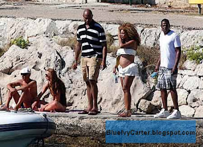 Beyonce and Jay Z Chilling at beach while she's pregnant