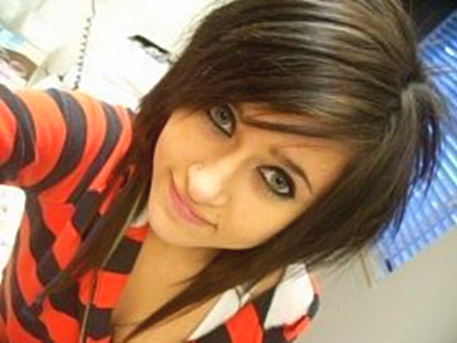 Emo Hairstyles for Girls: Full Color Short Emo Hairstyle for Young Girl Long