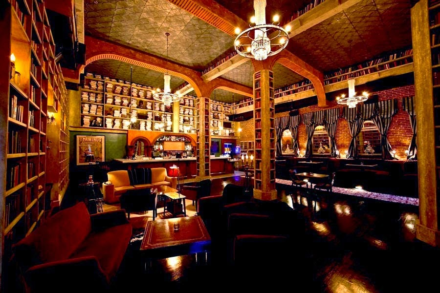 Hemingway's Lounge, Hollywood, USA