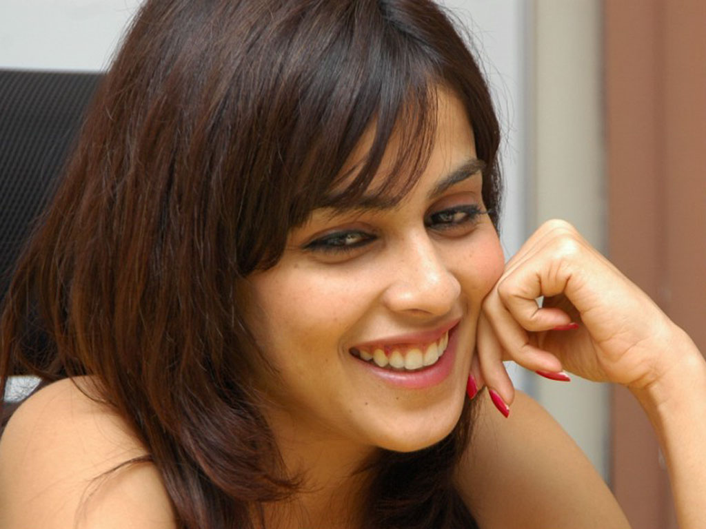 Artist on Empire: Hot and Lovely Genelia !