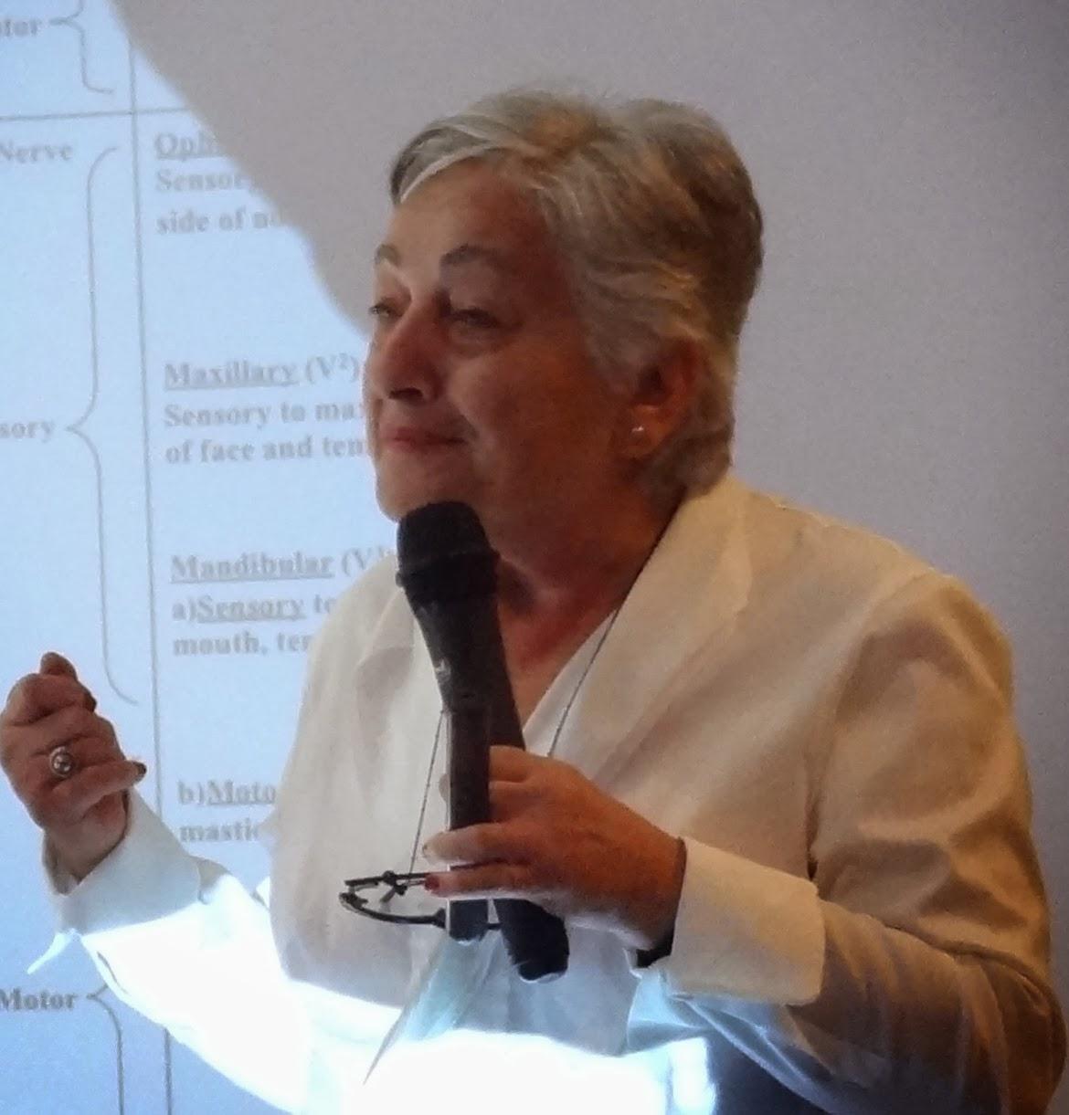 Dra. SONA TAHAN, Neuróloga, Dra en MTC