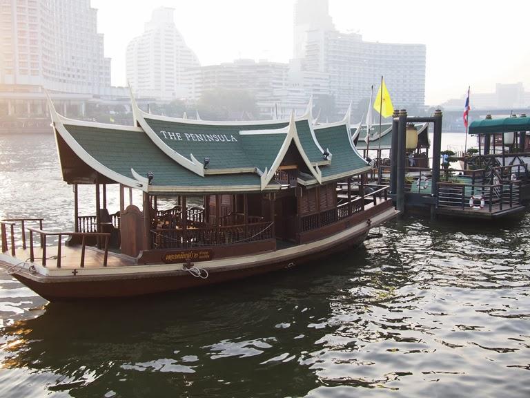 peninsula bangkok boat