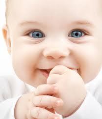 Mengungkap Arti Dan Maksud Senyuman Bayi