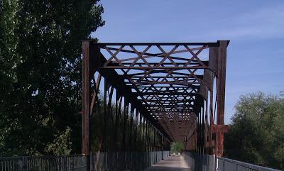 Antiguo puente del ferrocarril en la Vía Verde del Río Guadarrama