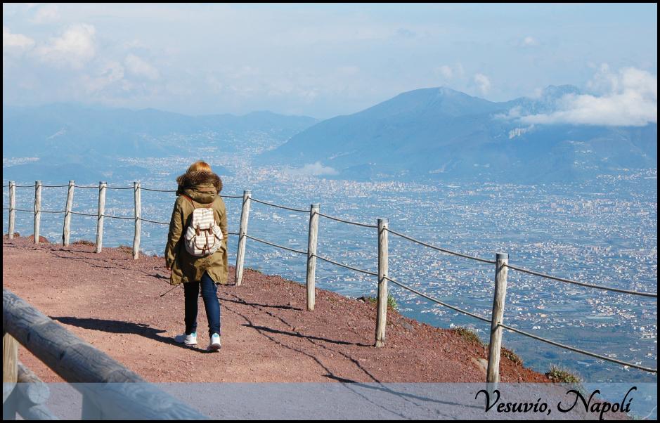 Postcard from Vesuvio