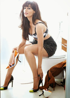 chitrangada-singh-fhm-india-showing-long-legs-1
