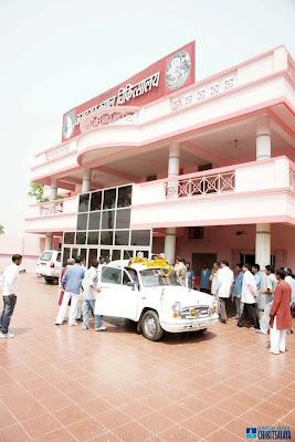Om Prakash Singh at Jagadguru Kripalu Chikitsalaya founded by Kripaluji Maharaj