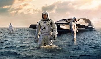 Uzayda Su Damlasıyla Pinpon Oynayan Astronot