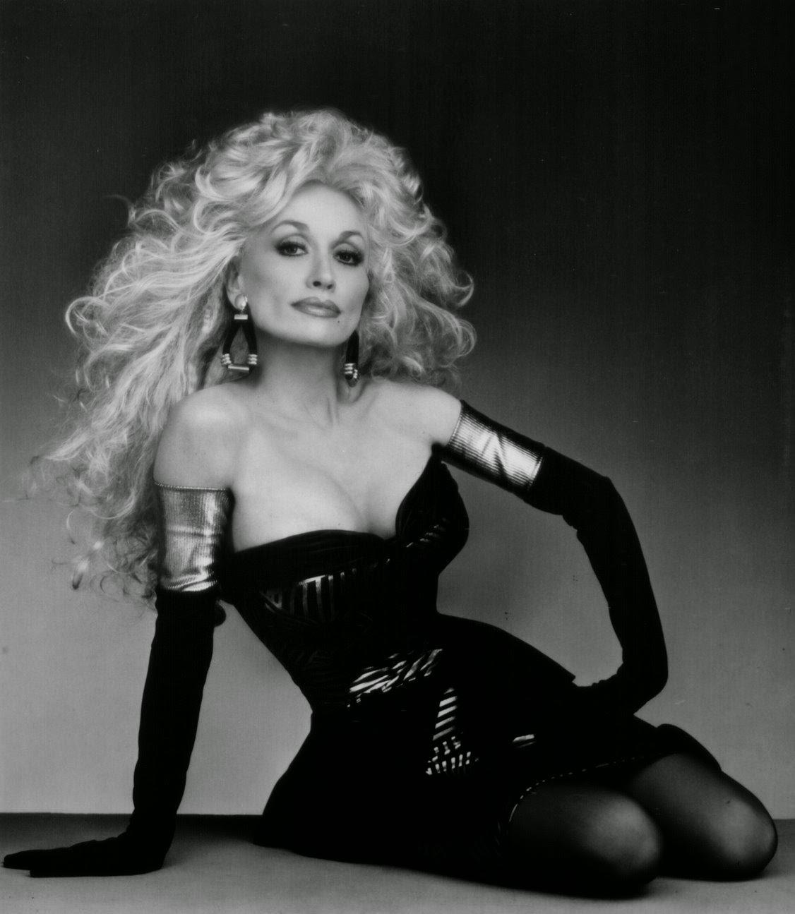Dolly+Parton,+1970s+(12).jpg