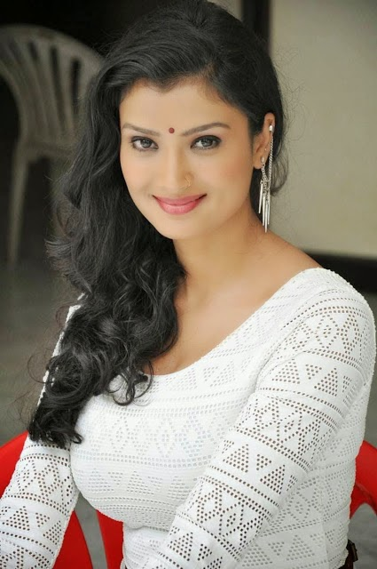 Miss Leelavathi Actress Ishita Vyas Latest Photos in White Dress
