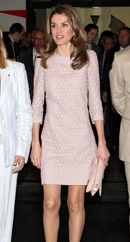 la Princesa Letizia con vestido de Mango