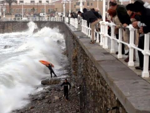 Surf Bodyboard ACCIDENTS in Gijon Video de Surf y bodyboard en LA21