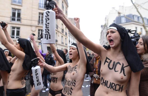 http://4.bp.blogspot.com/-0ccqYB_U17g/UKkSnQ6A6rI/AAAAAAAAFTw/1fOabtY_D3A/s1600/femen-3.jpg
