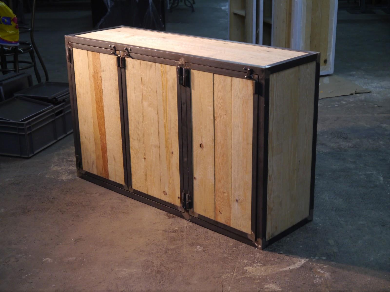 hierro y madera envejecida , Muebles artesanales retro en hierro de