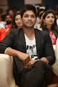 Allu Arjun Stylish Photos-thumbnail-9