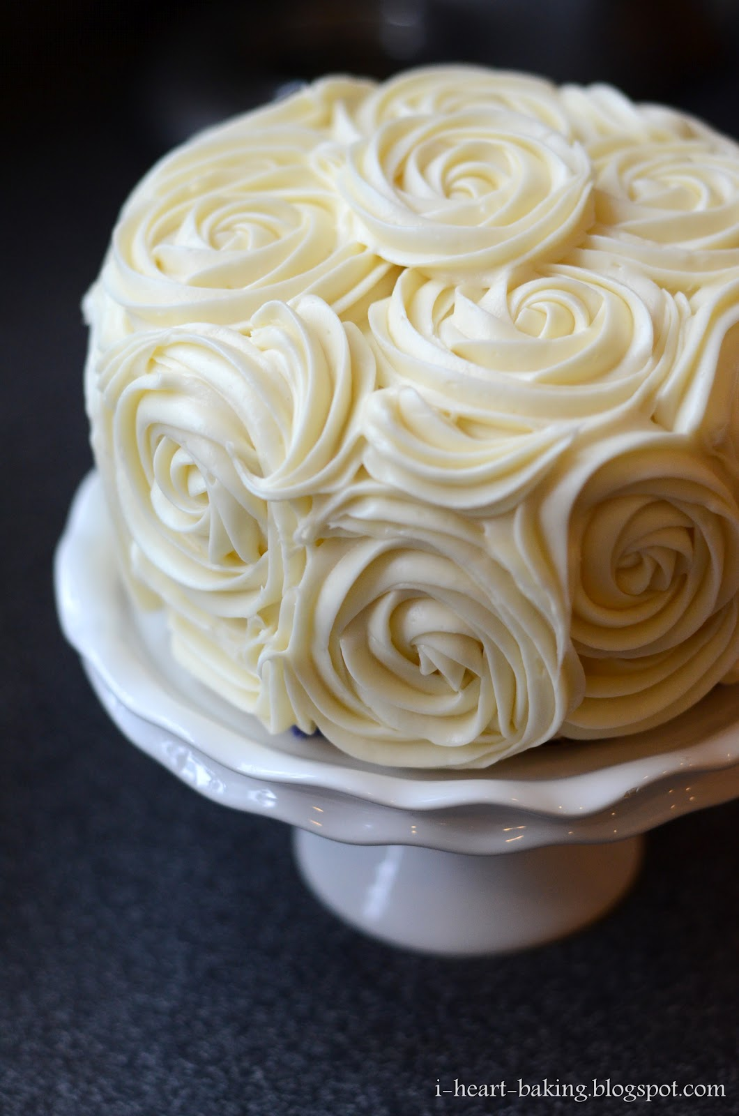 Images For Rose Cake : i heart baking!: red velvet cake with cheesecake middle ...