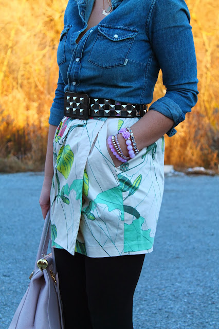 studded belt, chambray shirt, aritzia, H&M skirt, print, flower print