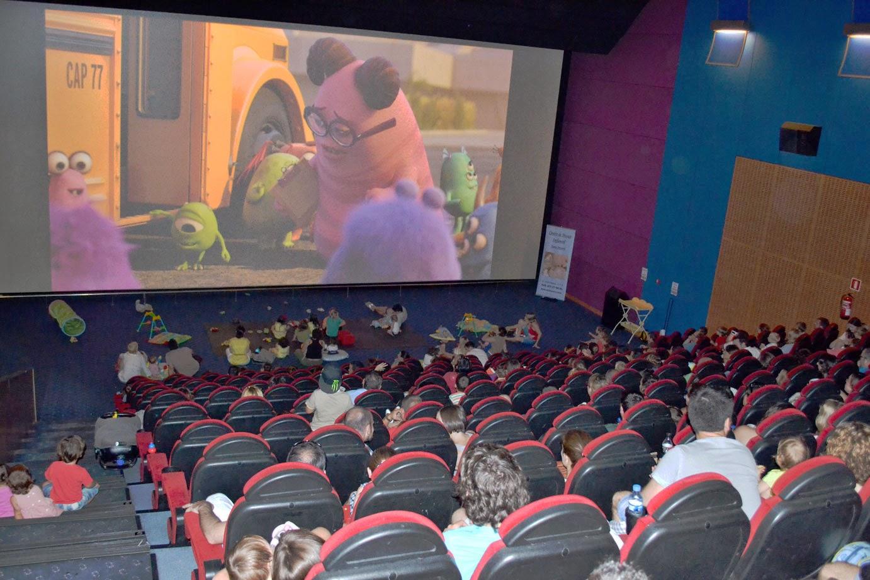 Lo mejor del cine en familia - Fotos de salas de cine ...